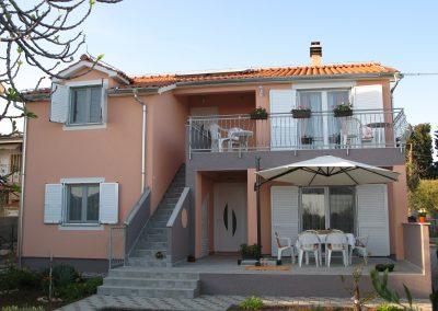 villa lilliana house see view